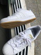 Tenis Adidas Superstar 40/41