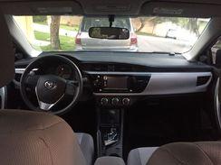 Vendo um Toyota Corrola com 18.200 Km