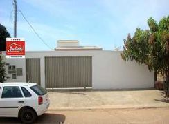 Casa à Venda na Cidade de Mozarlândia - Goiás