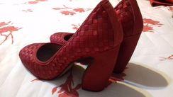 Sapato de Salto Grosso Vermelho