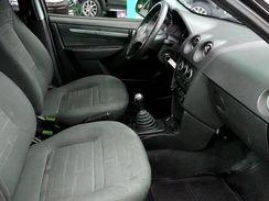 GM Prisma Preto Completo para Locação