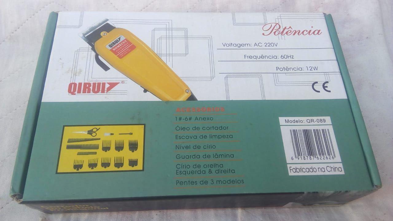 97ec640c4 Kit Profissional de Cortar Cabelo Qirui 220V - Desapega