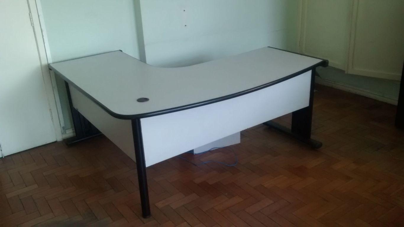 Mesa escritorio gerente desapega for Protector de mesa escritorio
