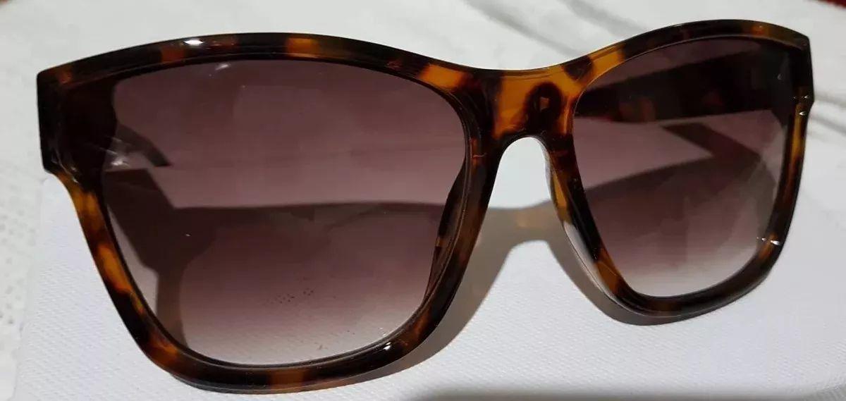 Óculos de Sol Feminino Casco de Tartaruga Chanel - Desapega 93615f1a39