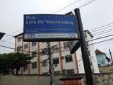 Região dos Lagos por Casa na Rua Lins de Vasconcelos