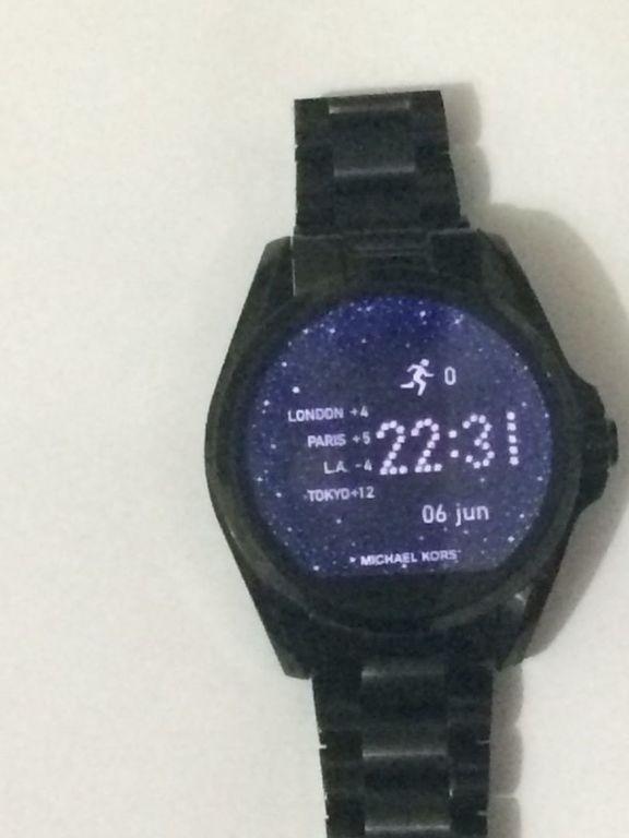 4c67d8a659711 ... Relógio Unissex Michael Kors Access Bradshaw Smartwatch Mkt5005 Novo ...