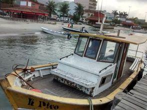Canoa com motor de popa a venda